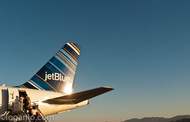 Jet Blue airplane in Burbank