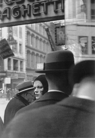 Walker Evans - Girl on Fulton St - 1929